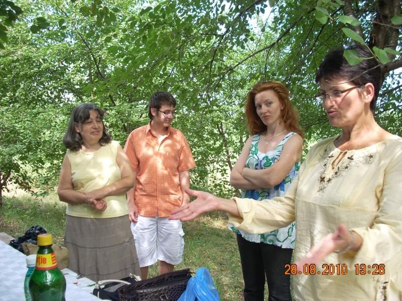 Picnic cultural-28 august 2010-azi ne reamintim  de Arghezi si Cosbuc  Picnic23
