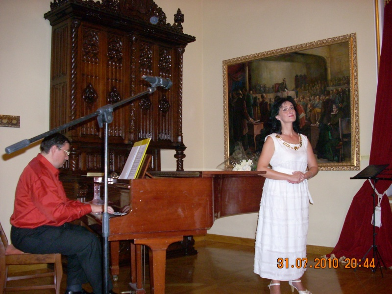 """Noaptea Alba A Strazii Lapusneanu-31 iulie 2010-Seara de muzica si poezie """"Suflet de femeie"""" cu Mihaela Grăjdeanu Suflet21"""