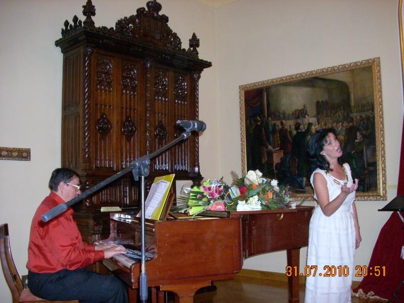 """Noaptea Alba A Strazii Lapusneanu-31 iulie 2010-Seara de muzica si poezie """"Suflet de femeie"""" cu Mihaela Grăjdeanu Suflet22"""