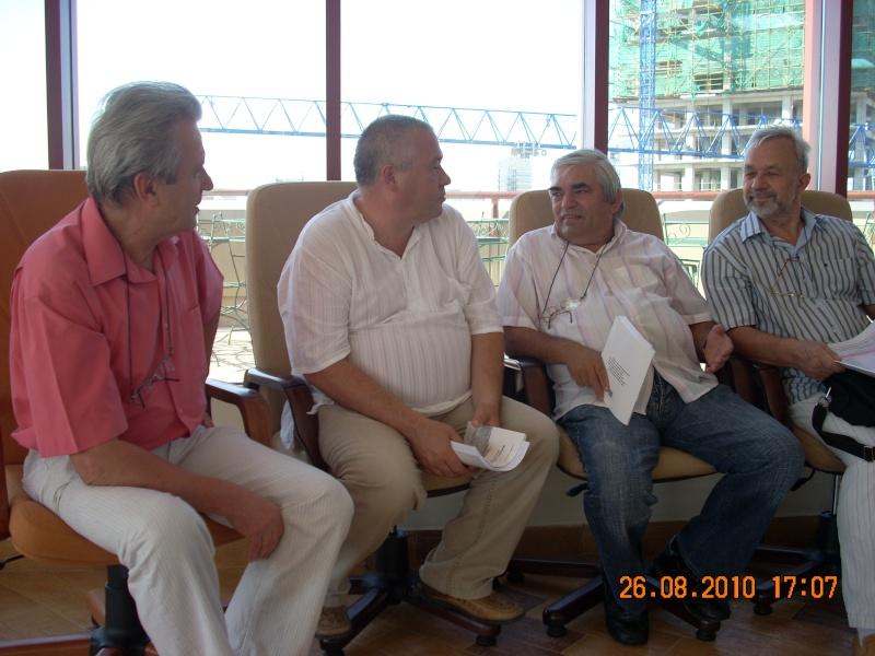 Vernisaj Dan Cumpata si lansare de carte Valeriu Stancu- 26 august 2010 Vernis46