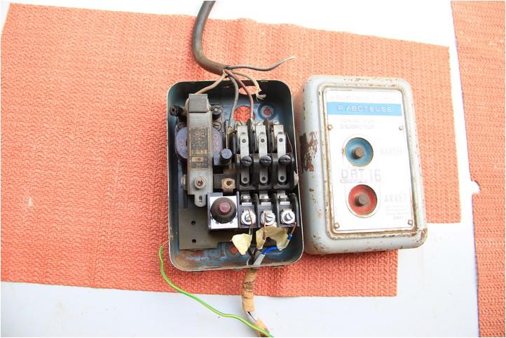 [cablage] telemecanique DRT 16 Img_2811