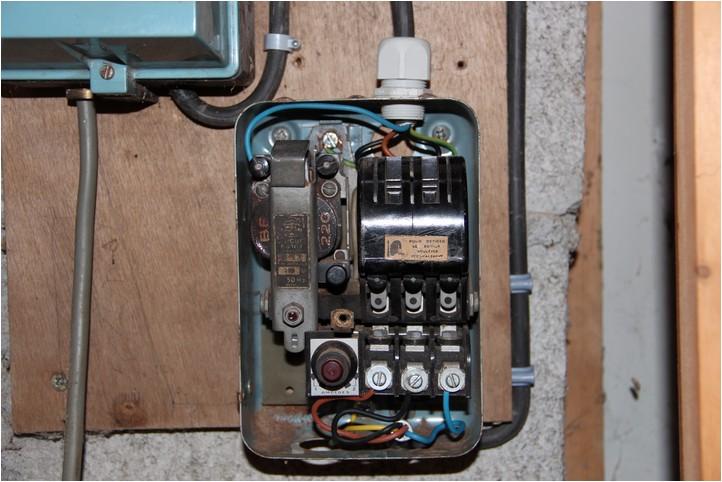 [cablage] telemecanique DRT 16 Img_2813