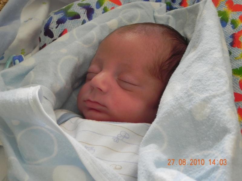 accouhement de bébé espoire mini billy +photo 8juin 2010 a 27semaine et2/7 - Page 3 Dscn2711