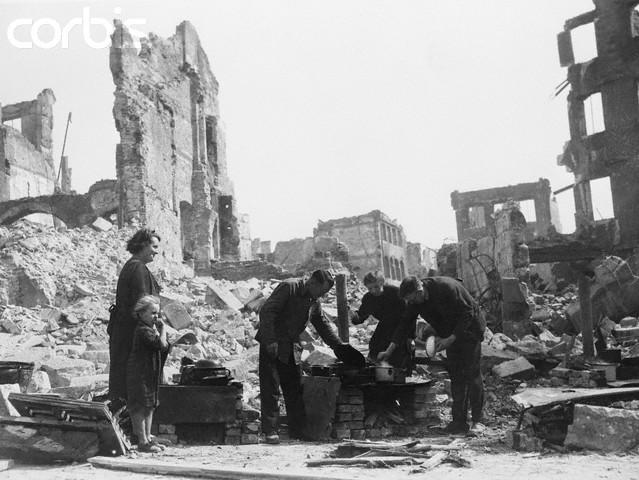 Destruction de Dresde  13-14 février 1945  (2012) A11