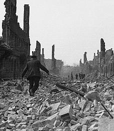 Destruction de Dresde  13-14 février 1945  (2012) A12