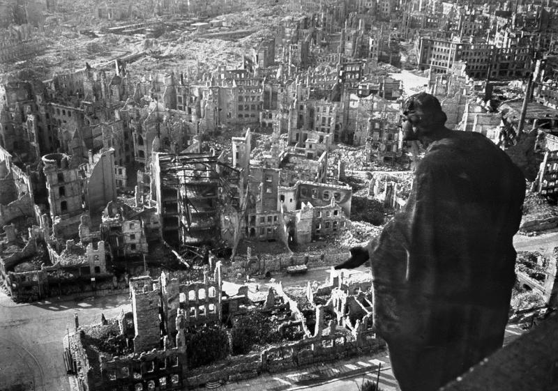 Destruction de Dresde  13-14 février 1945  (2012) Dresde11