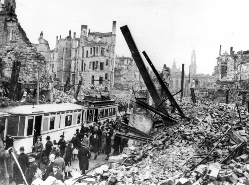 Destruction de Dresde  13-14 février 1945  (2012) Dresde13