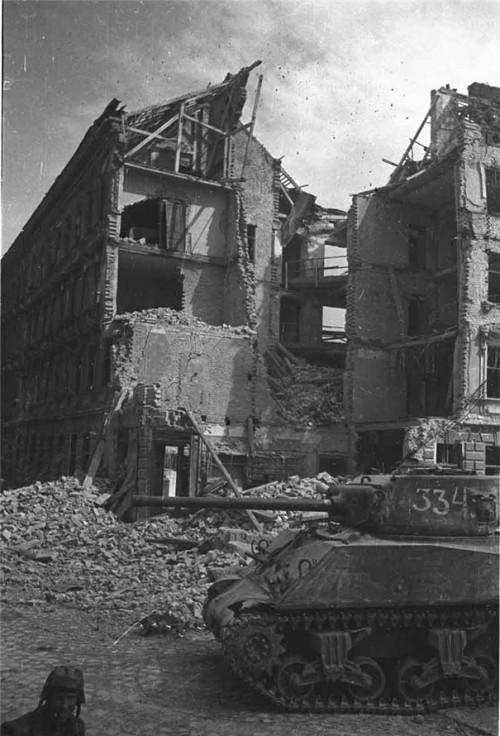 Objectif Vienne 1945   (2012) Sherma60