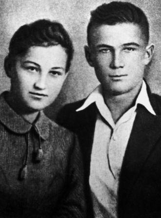 Zoya Kosmodemyanskaya,Heroine et martyre russe (2012) Zoya_e10