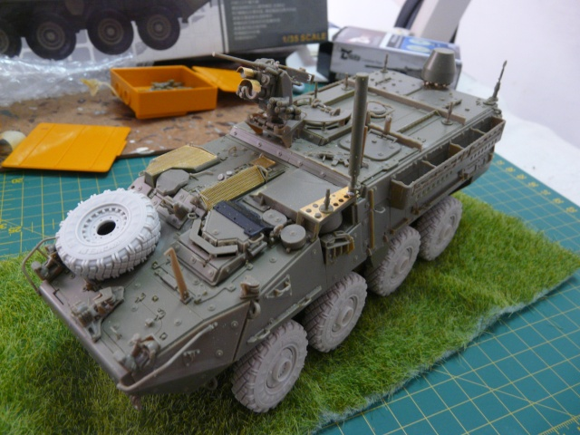 M1130 Stryter Commmand Venicle  1-35 scale - Page 2 P1050015