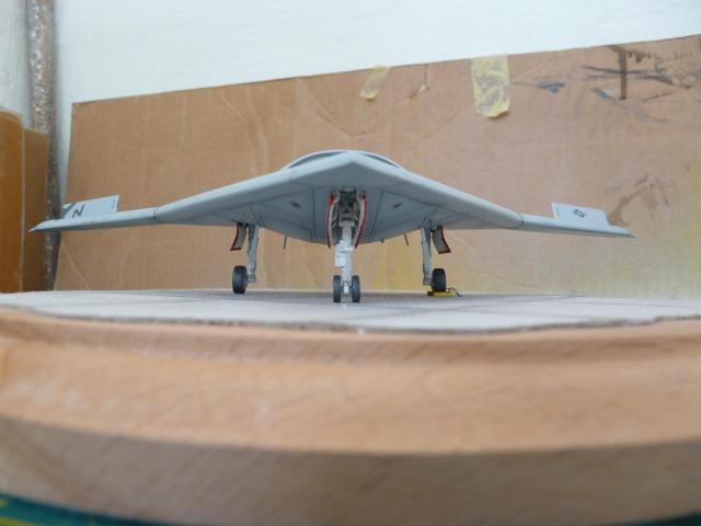 U.S Navy u.c.a.s X-47B    1-72 Platz - Page 2 P1080623