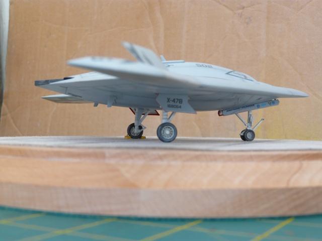 U.S Navy u.c.a.s X-47B    1-72 Platz - Page 2 P1080625
