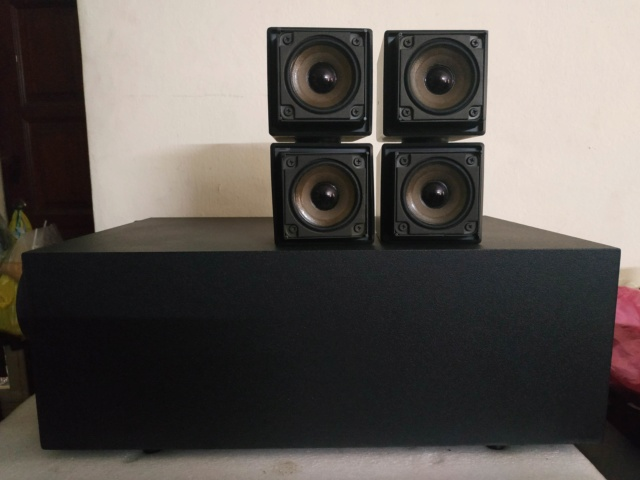(not available) Bose Acoustimass AM-5 subwoofer satelite speakers Img_2069