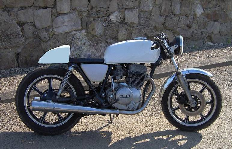 cafe racer Test210