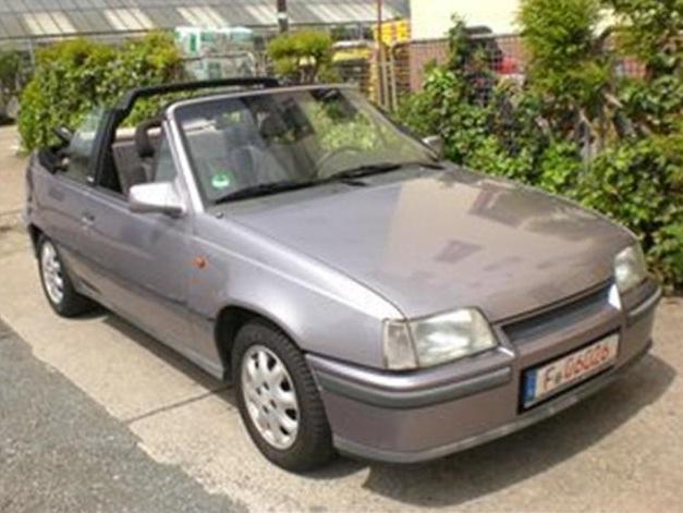 Der neue Autowagen: Kadett E Cabrio by Bertone Unbena11