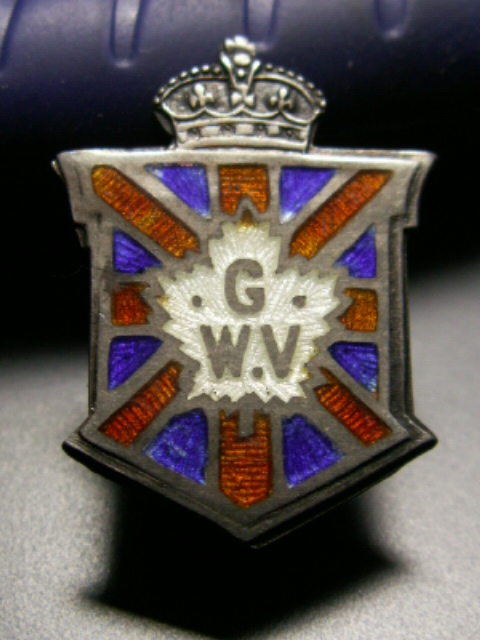 "WW1 ""CPF"" Class A and a Class B Badge 00111"
