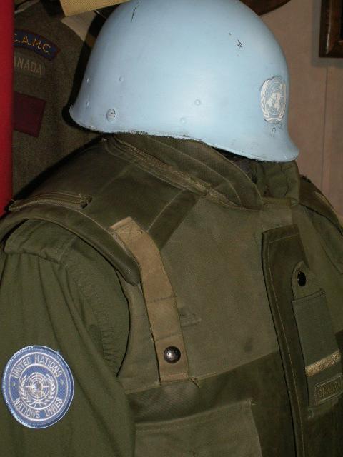 Frag Vest - UN Display Un210