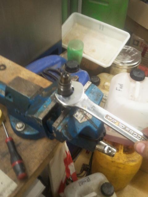 [Tuto] Tarrage/Sur-tarrage des injecteurs pour 405 diesel 2012-010