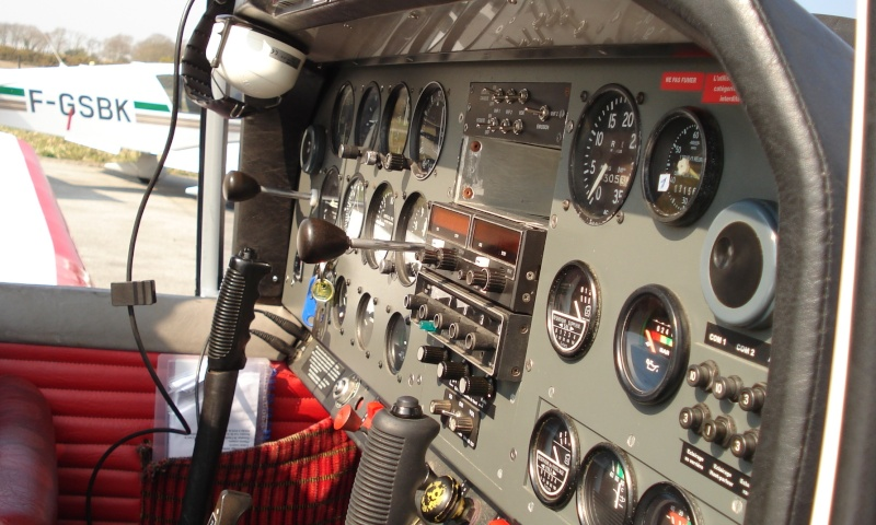 Concours Photos du mois d 'aout:Les Tableaux de Bord Dsc02310