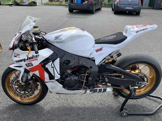 CBR 1000 RR 2011 - full HRC - ou échange contre R6 piste Img_0116