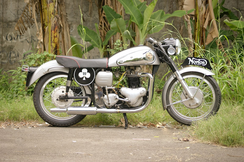 Norton Dominator Norton11