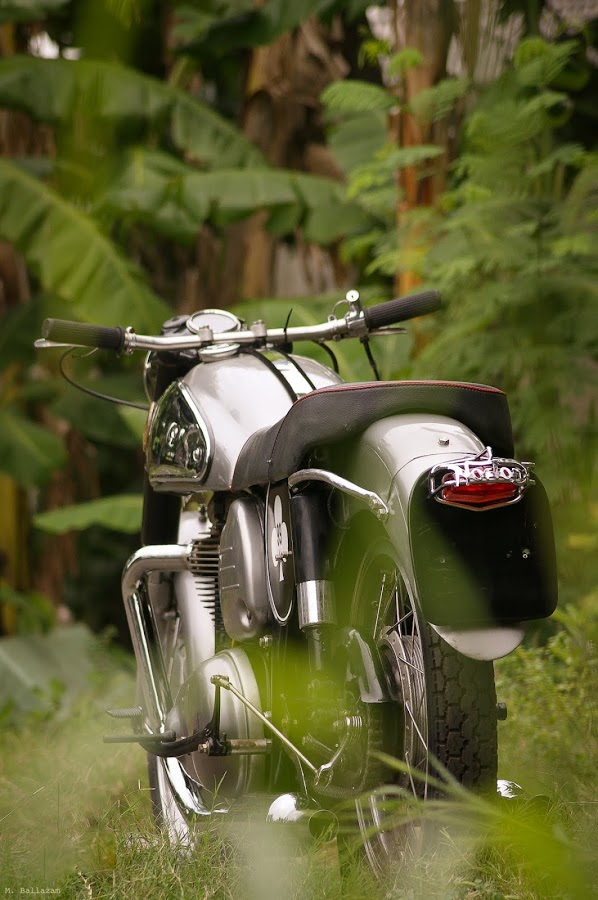 Norton Dominator Norton12