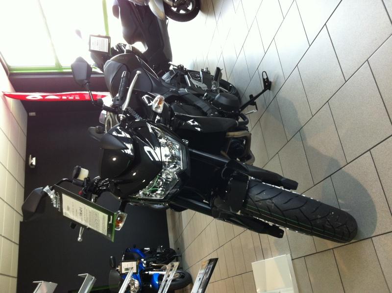 Motos / 125 / gros cube / sportives / cross / supermotard / etc... - Page 6 Photo_17
