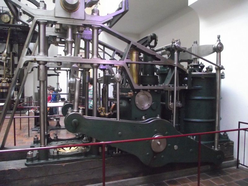 """Dampfmaschine des Dampfbootes """"Königin Maria"""" von 1837 - M1:15 2011_262"""