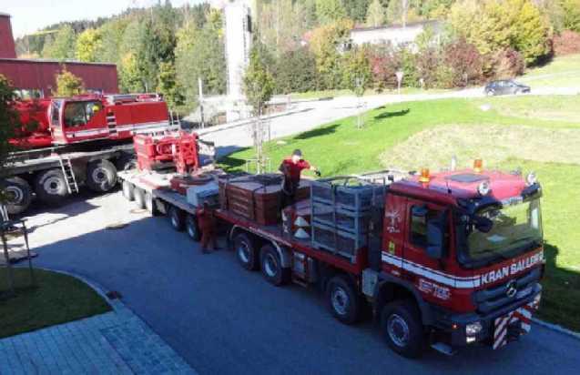 Liebherr 450t Kran im Aufbau Dsc01725
