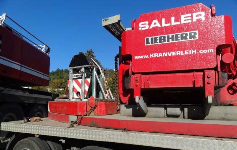 Liebherr 450t Kran im Aufbau Dsc01814