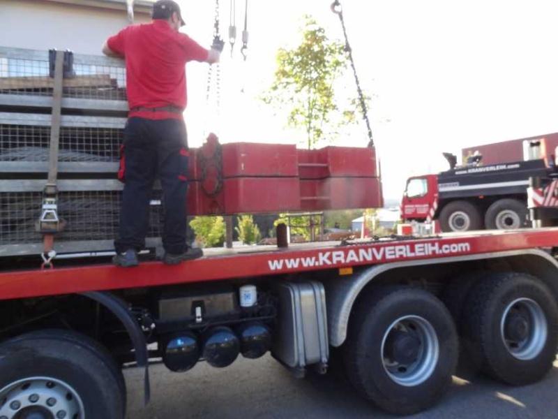 Liebherr 450t Kran im Aufbau Dsc01843