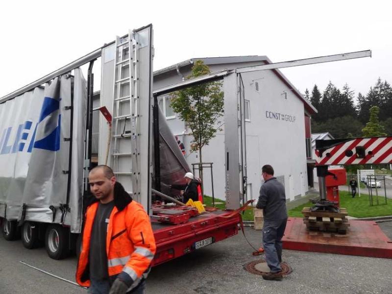 Liebherr 450t Kran im Aufbau Dsc01918