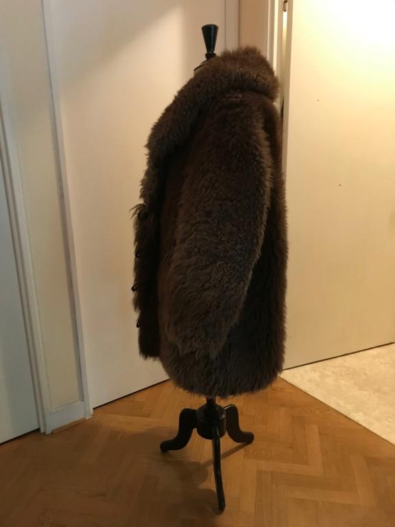 Manteau en fourrure de bison Img_1311