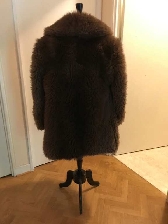 Manteau en fourrure de bison Img_1312