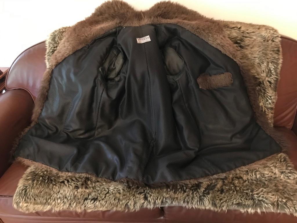 Manteau en fourrure de bison Img_1317
