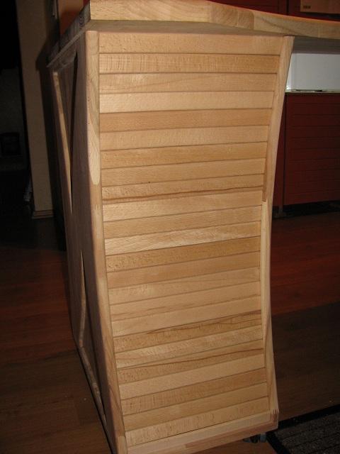 Kein Modell, eher Möbelstück Tisch410
