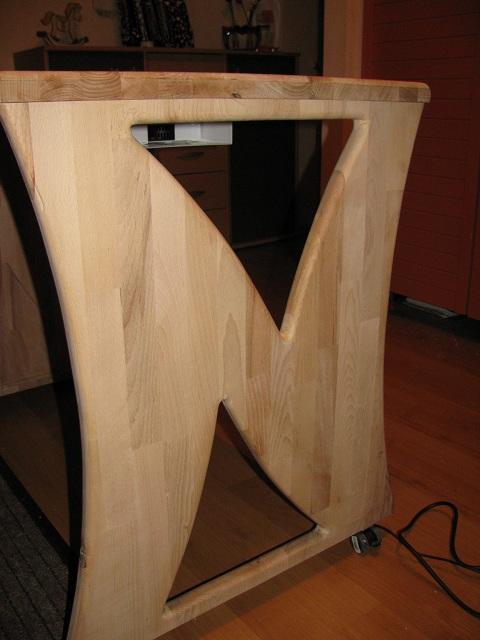 Kein Modell, eher Möbelstück Tisch610