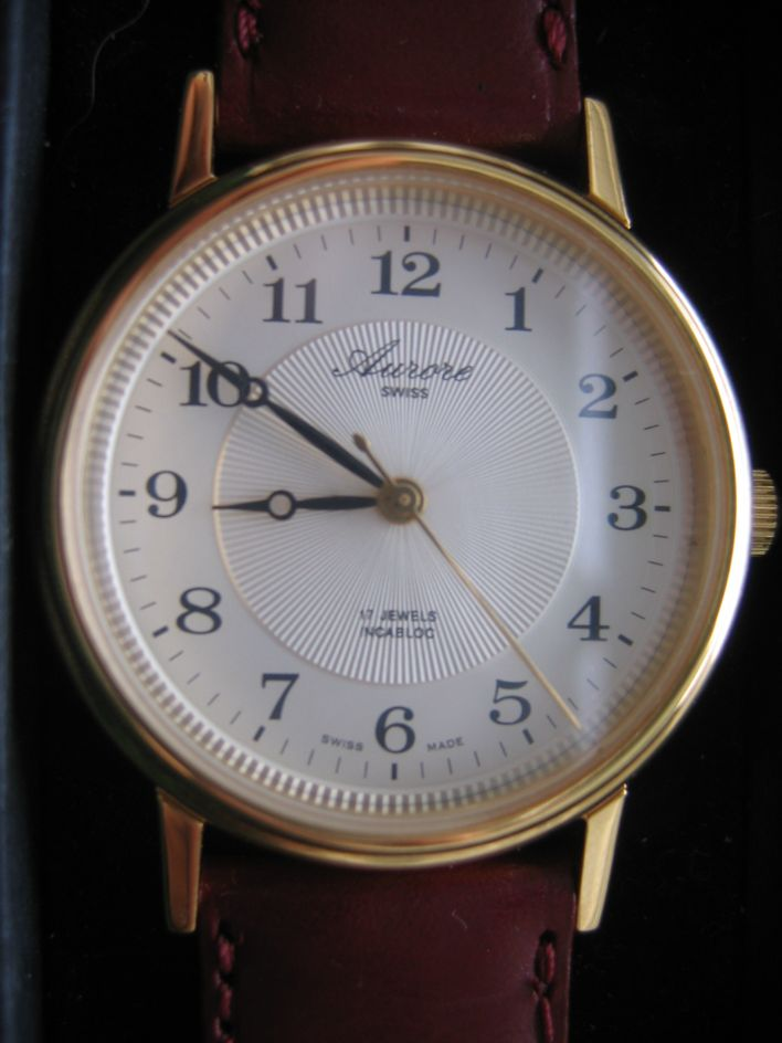 Une montre mecanique, simple 3 aiguilles, suisse et très très abordable Img_2311