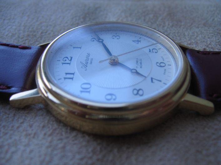 Une montre mecanique, simple 3 aiguilles, suisse et très très abordable Img_2312