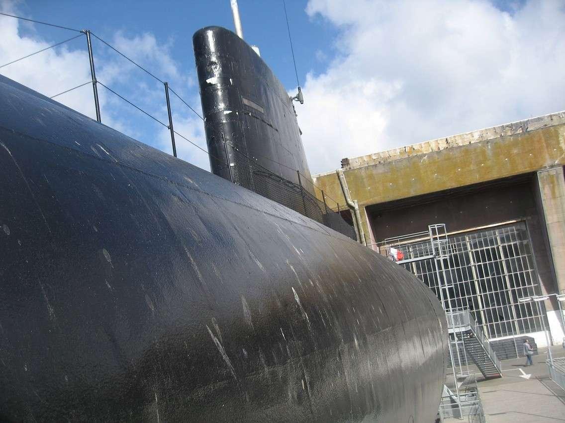 [Les Musées en rapport avec la Marine] Sous-Marin  Flore - Page 10 027b11