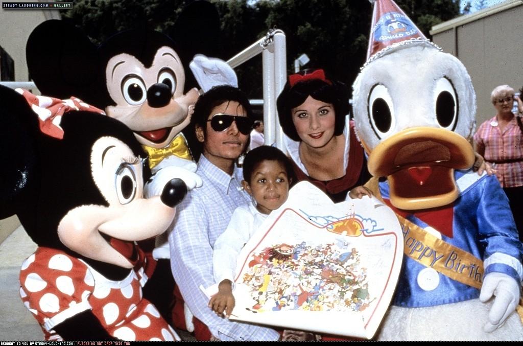 Michael e la Disney Zsssw11