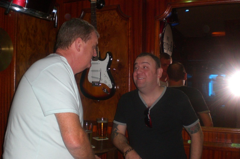 Meet up with Tjay at the Piano Bar. Cimg1651