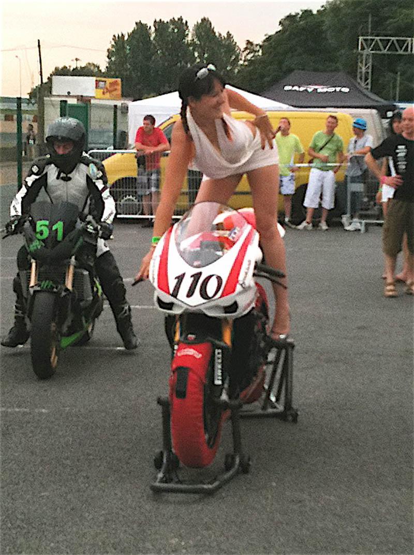 La grosse fête de la moto au circuit Carole 10 et 11 juillet - Page 2 Img_0011