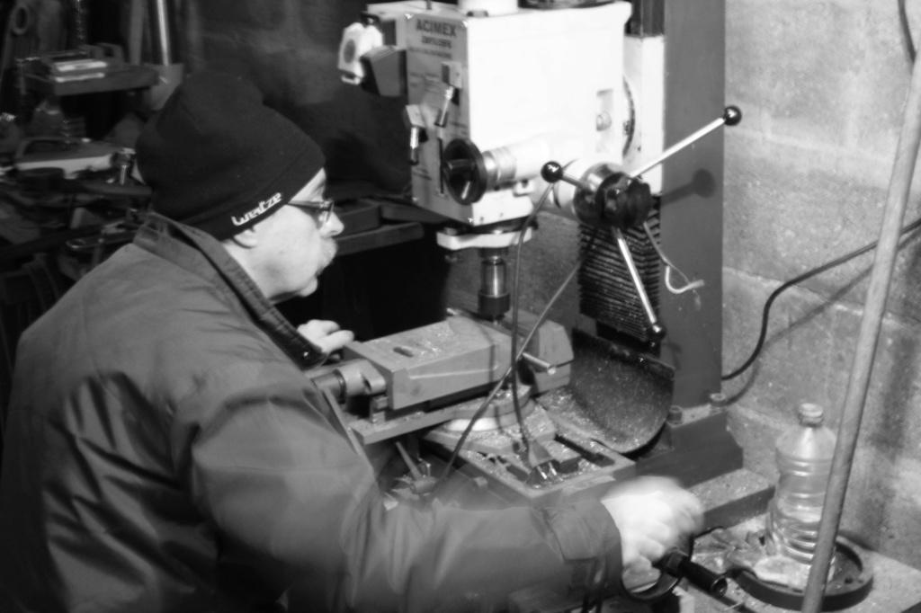Un ouvrier de chez Peugeot  Img_0038