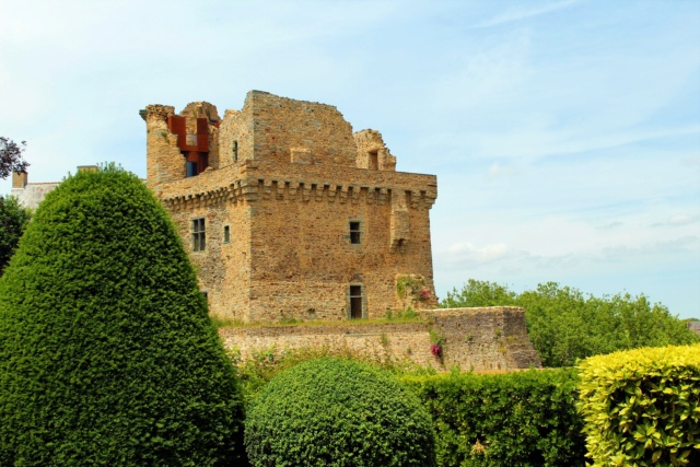 Château de Châteaubriant (Loire-Atlantique / 44). Img_1212