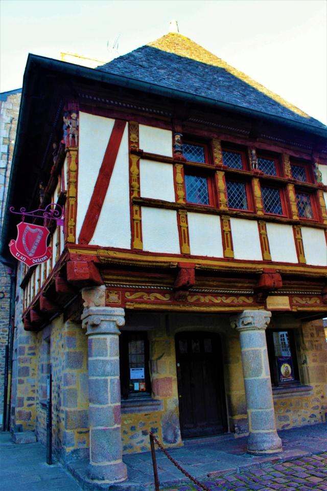 Dinan / Côtes d'Armor (22). Img_4012