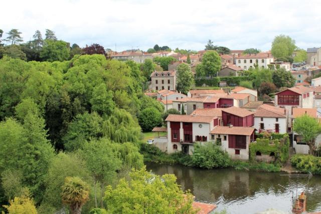 Clisson (Loire-Atlantique / 44). Img_4014