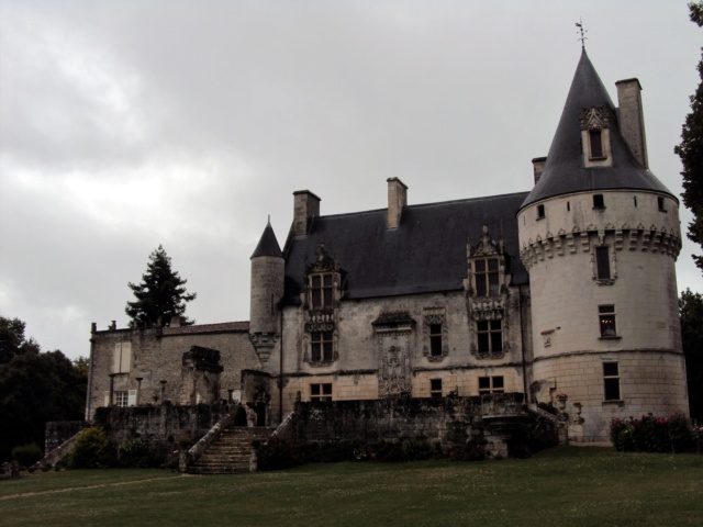 Château de Crazannes (Charente-Maritime / 17). Sainte10