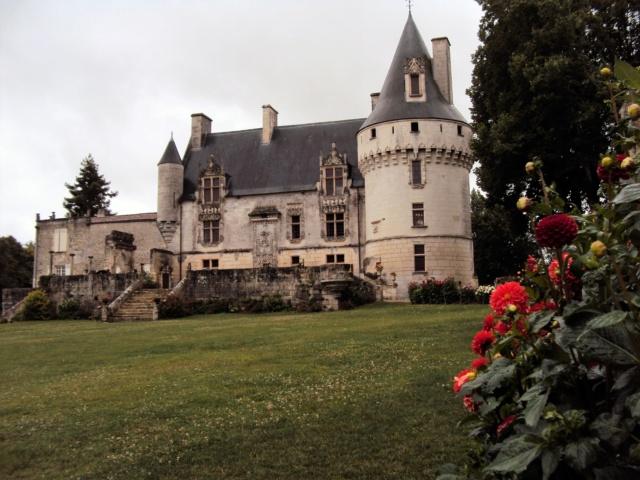 Château de Crazannes (Charente-Maritime / 17). Sainte14