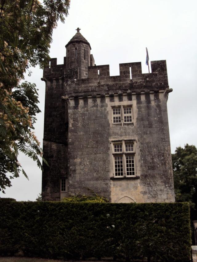 Château de Crazannes (Charente-Maritime / 17). Sainte15